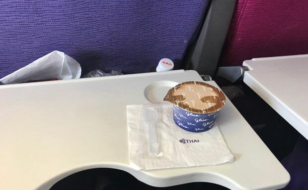 タイ航空機内で提供されたアイスクリーム